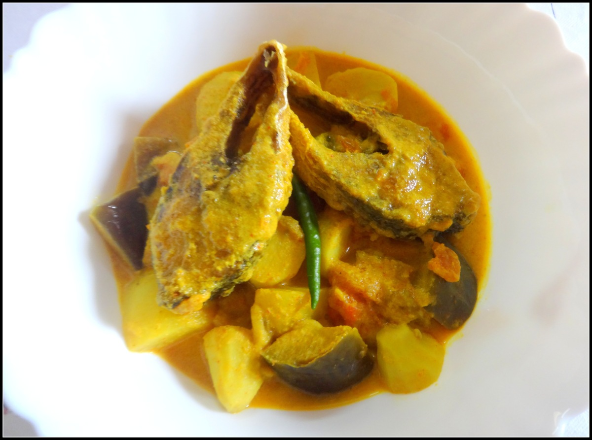 Hilsa fish curry with veggies(Ilish macher jhol)
