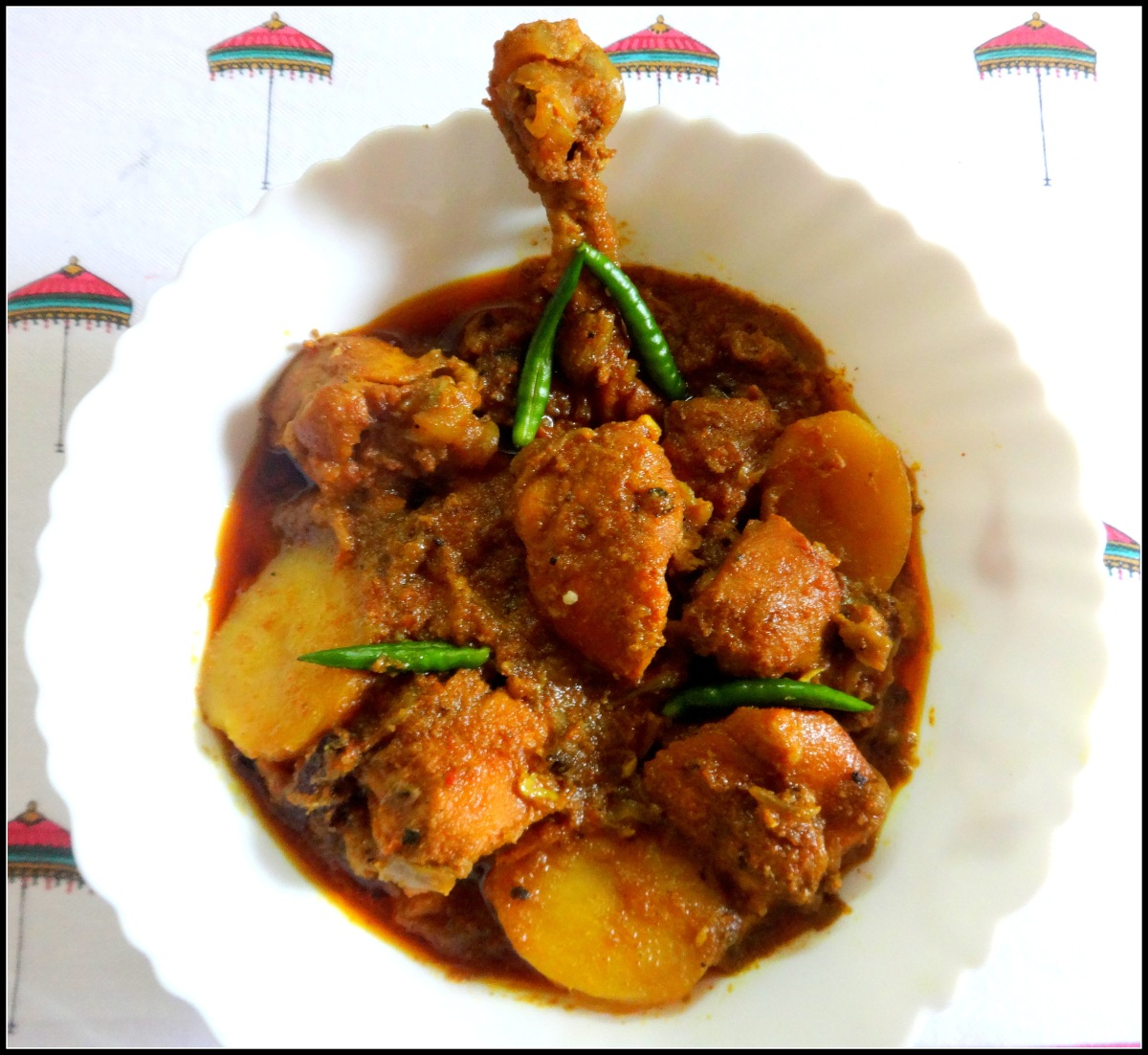 Bengali Chicken Curry (Alu diye Murgir Mangshor Jhol)
