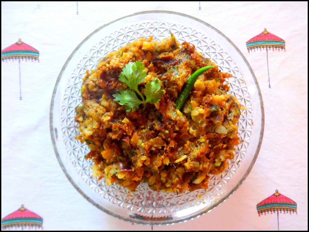 Spicy scrambled Bombay Duck fish (Loitta Macher Jhuri)