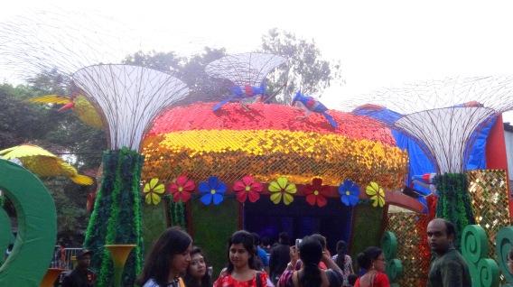 Jodhpur Park pandal entrance