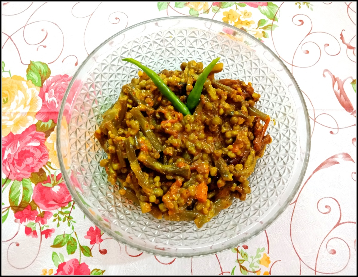 Malabar spinach seeds with mustard paste (Shorshe bata diye Pui Metuli)