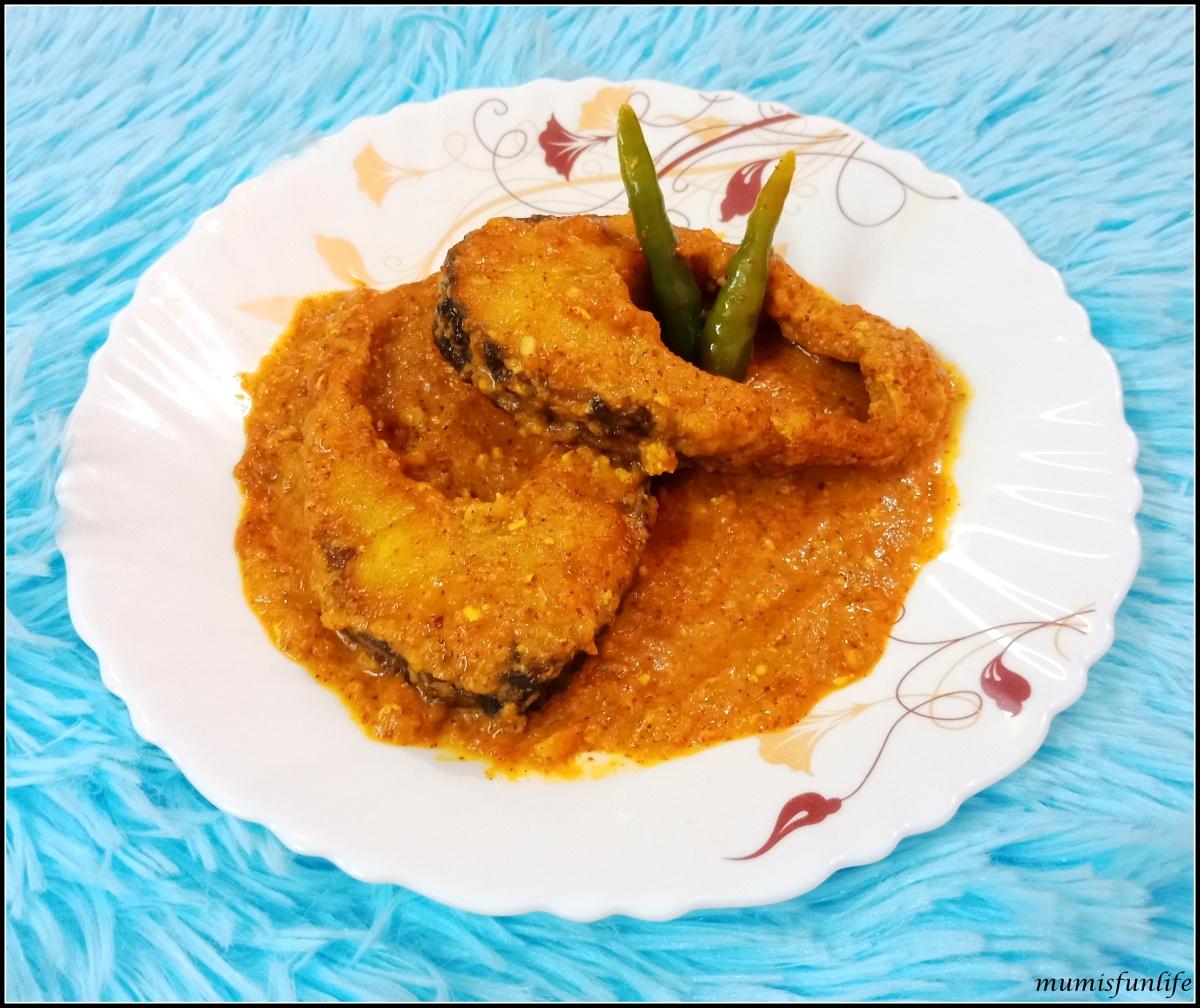 Rohu fish in mustard sauce gravy (Rui Kasundi)